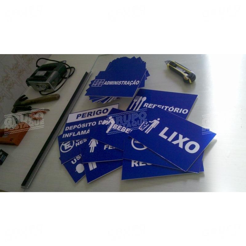 Placas em PVC adesivado